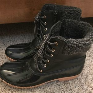 Shoes - Black duck boots